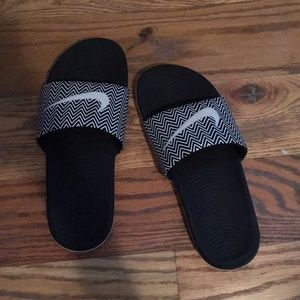 Nike slides size 7